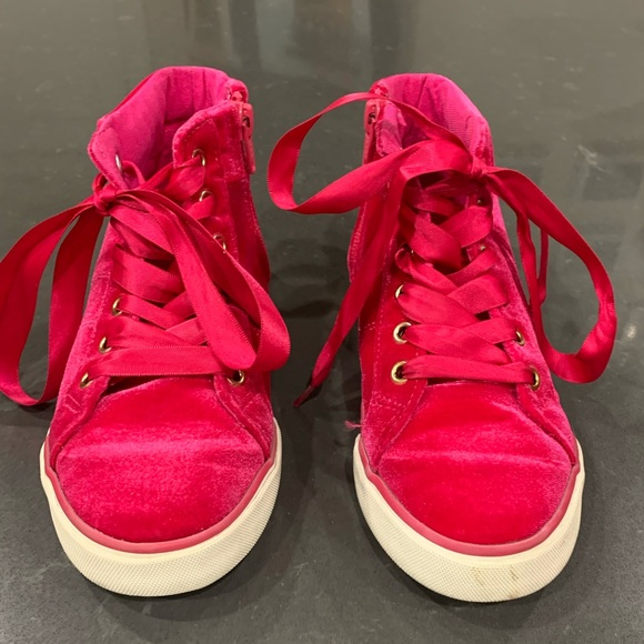 NWT Gymboree Pink Velvet Sneakers Shoes Girls many sizes